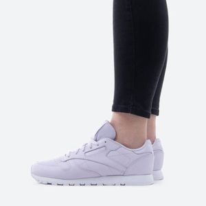 Reebok Classic Leather Sneakers in Lavender.